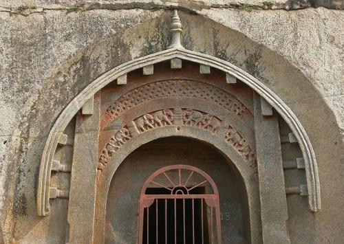 Las antiquísimas cuevas de Barabar
